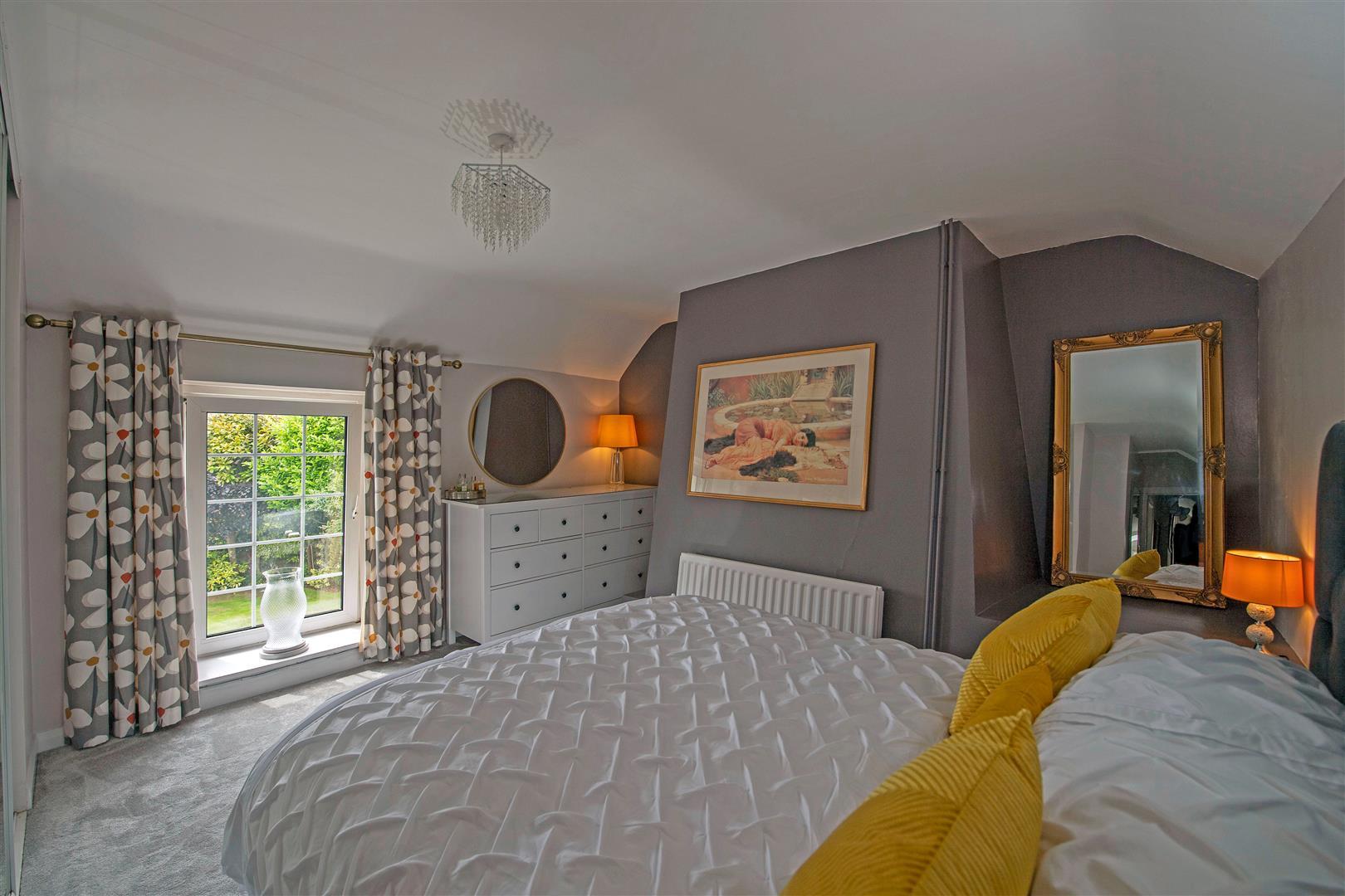 Longcroft, Horton, Swansea, SA3 1LQ